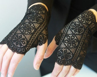 Free shipping! Black lace Gloves. Stretch Lace, fingerless lace gloves, Bride, bridesmaid, gift for her.  Ready to ship.