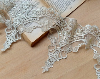 Light Gold Lace Trim Retro Embroidered Tulle Lace 6.88 Inches Wide 1.3 Yards
