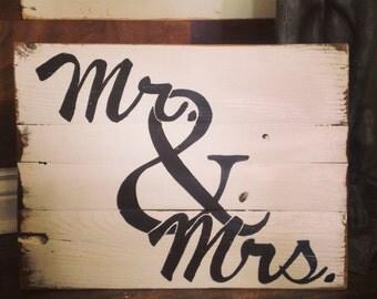 Mr & Mrs Wood Sign
