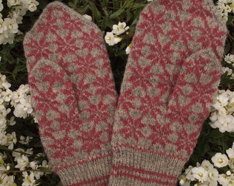 Finely Hand Knitted Estonian Mittens in Grey and Pink - warm and windproof