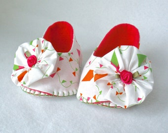 Cotton Baby Shoes, Girls Hand Stitched Booties,  Kite Print Baby Shoes, White, Orange, Pink and Green, Hand Sewn, Ruffle Trim