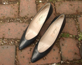 Vintage Amalfi dark blue leather shoes size 8 AAA, Made in Italy, navy blue wedding shoes