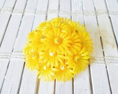Vintage Yellow Plastic Flower Power Cluster Brooch Pin 1960's