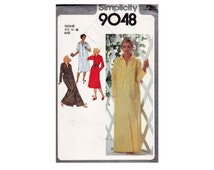 Robe in 2 Lengths UNCUT Sewing Pattern Available in 2 sizes Medium 14-16 Bust 36-38 or Large 18-20 Bust 40-42 Zipper Front Simplicity 9048