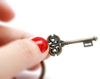 The Old Key - Antiqued Brass Vintage Style Skeleton Key Key Ring - KR00