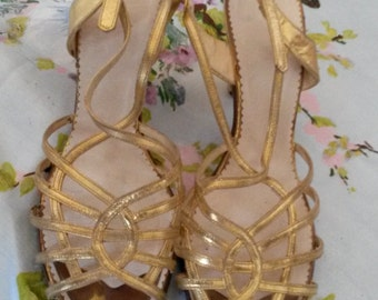 Vintage 40s gold pin up heels 7.5