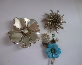 Vintage Brooches 3 Vintage Flower Brooches 2 Silver Tone and 1 Blue Enamel Brooch