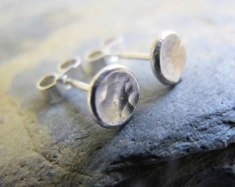 Rustic stud earrings - Simple silver stud earrings
