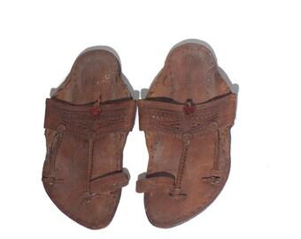 8 | Men's Boho Hippie Tooled Leather Sandals Toe Ring Slip On Ethnic Sandals