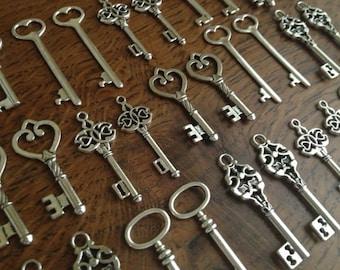 Keys to the World - 76 Skeleton Keys Large Keys Antique Silver Skeleton Key Skeleton Keys Set Key Charms Key Pendants Bulk Keys