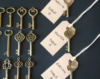 Keys of Wedlock - 100 Antique Bronze Skeleton Keys & 100 Kraft Luggage Tags Wedding Skeleton Key Escort Card Vintage Keys Replica Key Charms