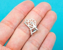 10 Silver Tone Pewter SPINDLE SPINNING WHEEL Charm Pendants  18x12mm . chs0208