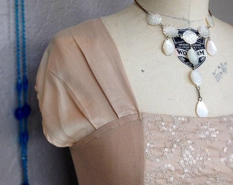 Vintage Anthropologie Beige Nude Sparkle Top Drop Cap Sleeve New Condition Size Small