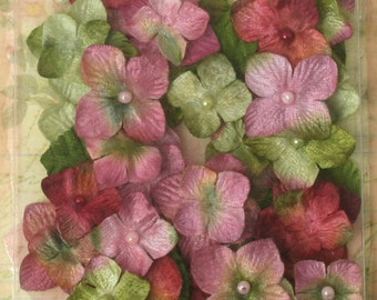 small fabric flowers -  Chantilly Velvet Hydrangeas  - Rose Pinks 1272-161 -  -  32 flowers and 8 leaves