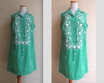 Vintage 1960s Green & White Embroidered Cutwork Shift Dress XL