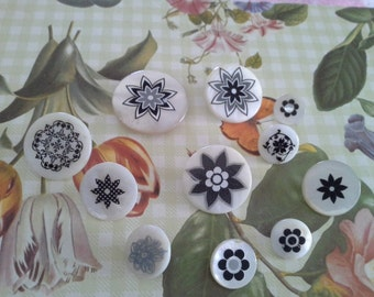 Buttons - Stenciled
