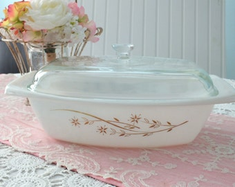 Vintage Pyrex Lidded Casserole- Golden Honeysuckle 2.5 Qt.