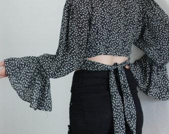 ruffled crop blouse - M
