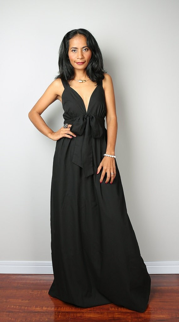 Black Dress - Black Maxi Dress - Elegant V-styled Neck Long Evening Gown : Love Party Collection