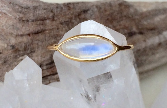 Blue rainbow moonstone and solid 18k gold ring