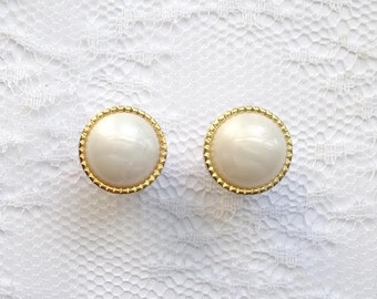 Pearlescent White and Gold Wedding Pair Plugs Gauges Size: 0g (8mm), 00g (10mm)