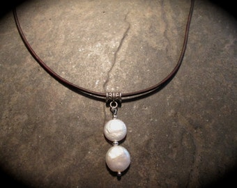 Coin Pearl and Leather necklace Simple pearl necklace