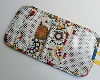 Quilted Travel Jewelry Organizer in Multicolor Floral