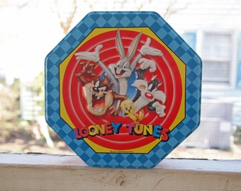 Vintage Tin, Looney Tunes Tin, Bugs Bunny Candy Tin, Cookie Tin, Decorative Tin, Warner Brothers, Storage Tin, Souvenir Tin, Collectible Tin