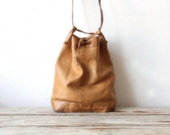 The Perfect Bag.  Soft Leather Classic Tan Barbara Bolan Purse