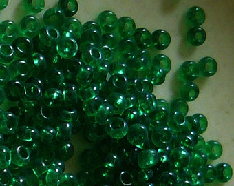 11/0 Transparent Green Glass Seed Beads - Item # G110C