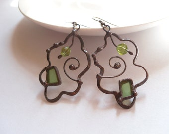 Stained glass earrings, statement jewelry, gift for women, green, contemporary copper wire earrings, artistic jewelry, fashion jewelry
