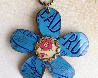 """Tin Jewelry Flower Necklace #1 """"Summer of Love"""" Tin for the Ten Year Tenth Wedding Anniversary"""