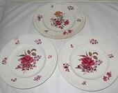 3 Wedgwood Corinthian Cotswold Plates