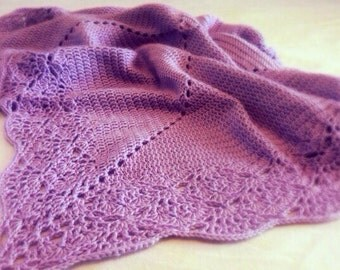Crochet Baby Blanket Pattern with Lacy Edge