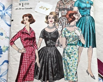 Vogue Sewing Pattern 5121 Vintage 1950 style