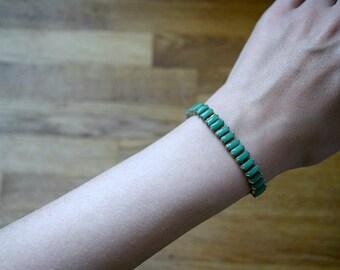 Vintage green 1930s bracelet . Art deco line bracelet