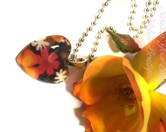 Floral heart or round glass cabochan pendant
