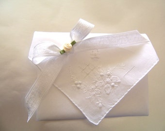 BEAUTIFUL ANTIQUE Hand made White Hanky