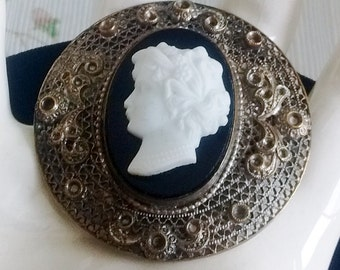 Czechoslovacia Applied Cameo Brooch on Filagreed Back with Applied Flowers