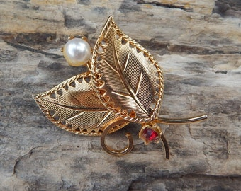 Gold Toned Leaf Pin with Pearl and Red Rhinestone  ~  Leaf Brooch with Pearl and Red Rhinestone  ~  Leaf Pin with Pearl  ~  Leaf Pin