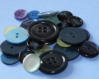 20 Vintage Blue Buttons Various Sizes