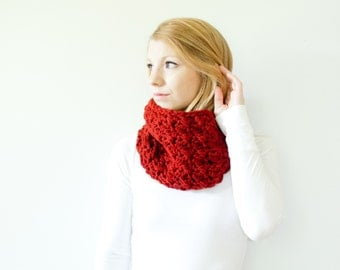 The MALLORY - Semi Chunky Cowl Neckwarmer  Scarf - redwood - Wool Blend