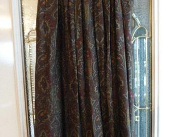 Vintage Gloria Sachs 100% Wool Paisley Challis Skirt, Size 6, Ca. 1980