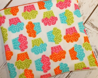 Food Safe Reusable Sandwich Bag in Bright Cupcakes