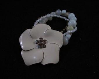 Flower hand beaded bracelet, hand beaded flower bracelet, hand beaded bracelet, white hand beaded bracelet, white flower bracelet