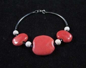 Orange hand beaded bracelet, Orange hand beaded noodle bracelet, Kazuri bead bracelet, Orange Kazuri bead hand beaded bracelet