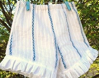 White cotton .Girls toddler shorts. blue gingham.Ruffle shorts size 24 months 2T.Baby ruffle shorts Ready to ship. Beachwear. summer shorts.
