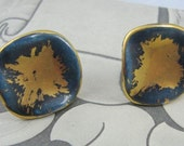 Vtg Screwback Earrings  Ceramic  Blue & Gold Enamel Splash