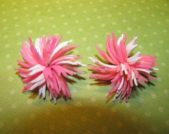 Vintage Signed West Germany Gold Tone Pink White Plastic Flower Clip On Earrings