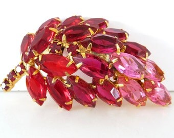 Juliana Style Leaf Rhinestone Brooch Pin Vintage Costume Jewelry Reds Pinks